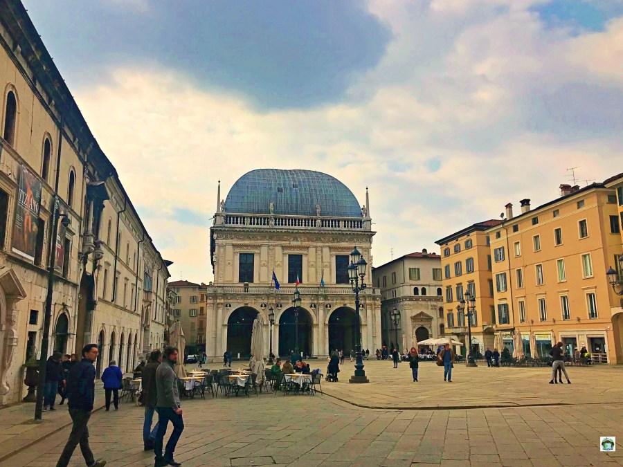 Piazza della Loggia Brescia - Cocco on the road