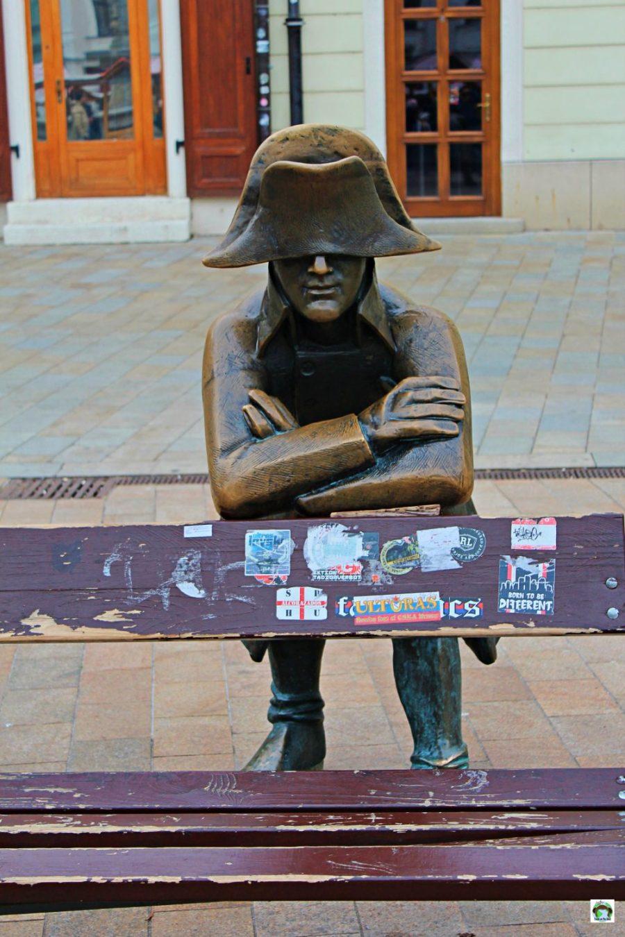 Statua del soldato o Napoleone Bratislava - Cocco on the road