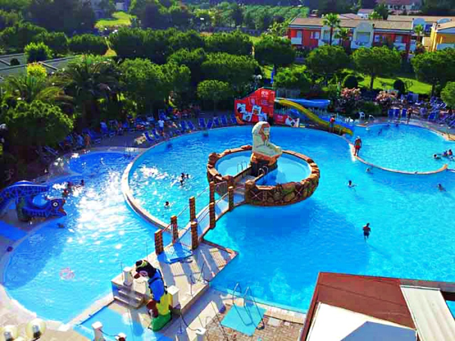 Centro Vacanze De Angelis piscina