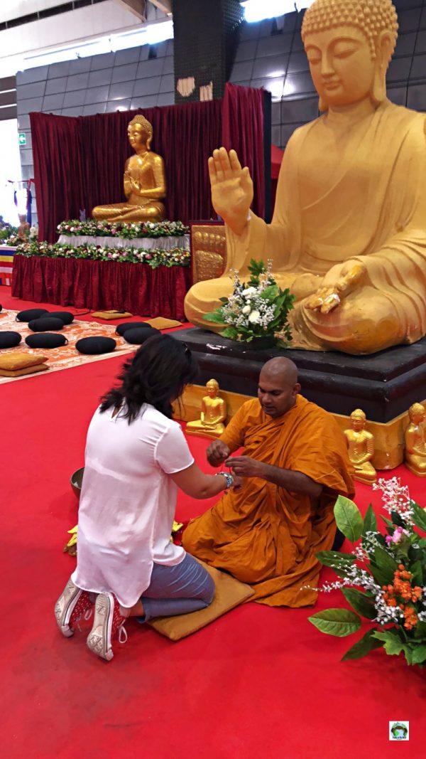Fiera dell'Oriente monaco buddhista