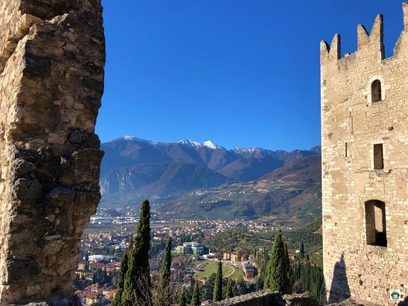 Il panorama sul Castello di Arco