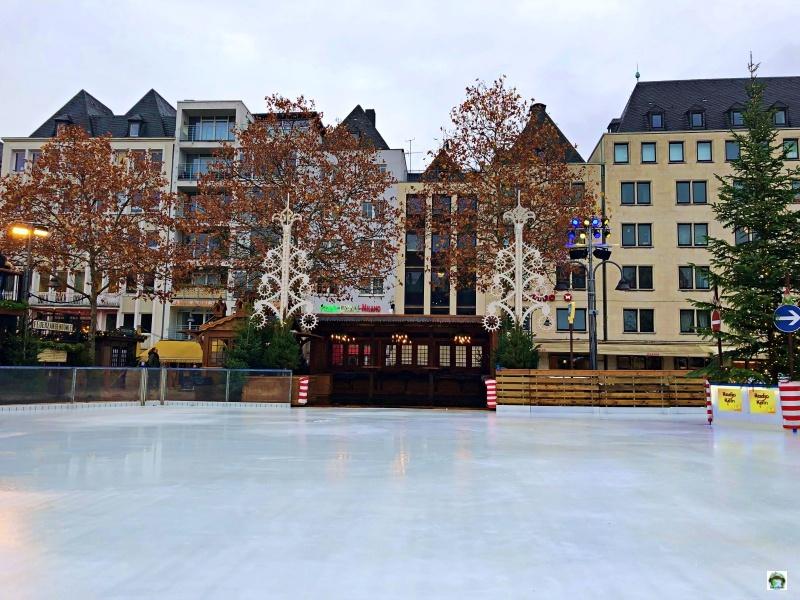 Pista pattinaggio mercatini di Natale a Colonia
