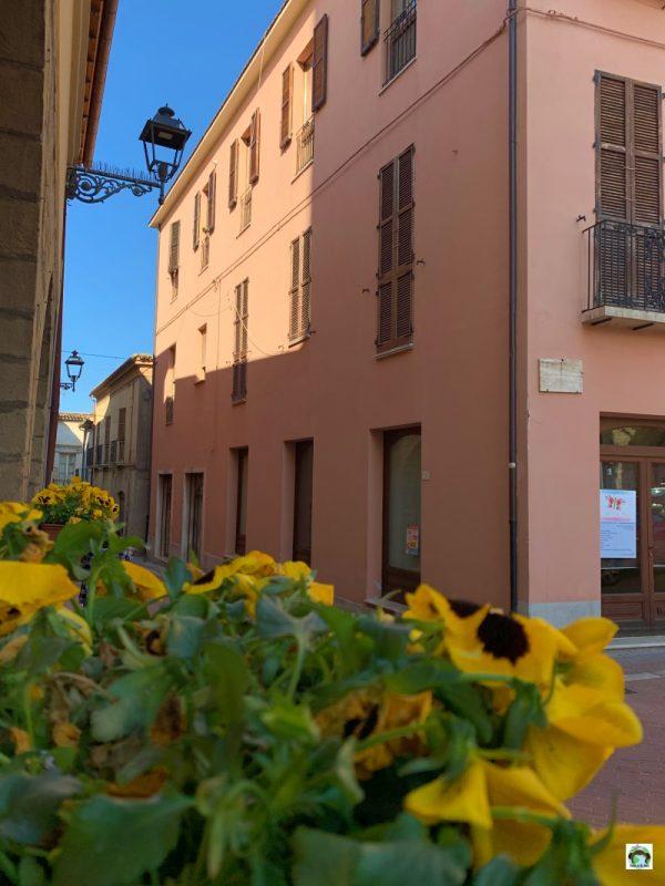 borgo Campli Abruzzo fiori
