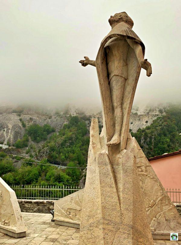 Cristo monumento del cavatore Colonnata