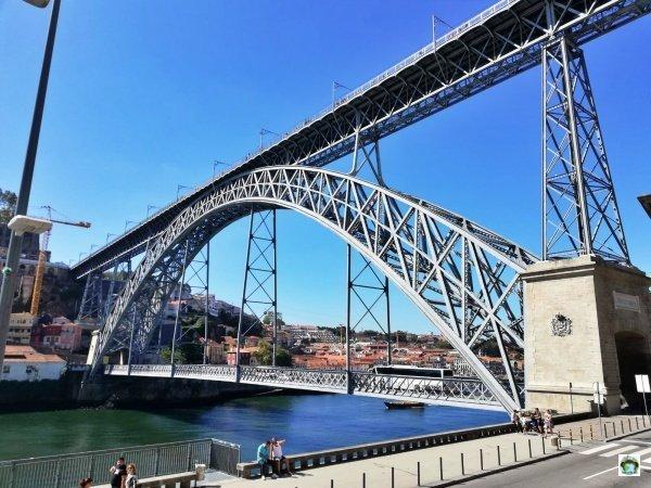 Pilares da Ponte Pêncil Porto