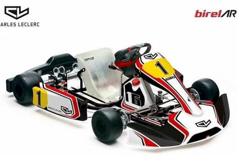 Charles Leclerc vuelve al kart