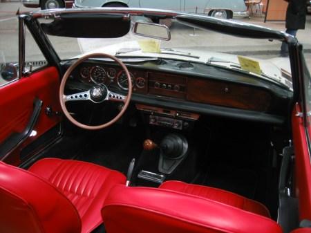 1967 Fiat_124_sport_spider_002