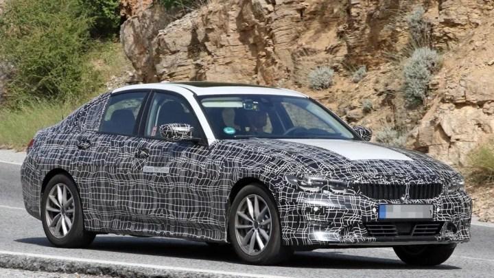 BMW prepara un Serie 3 eléctrico y lo compara con el Tesla model 3