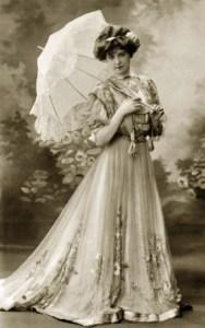 femme-et-ombrelle
