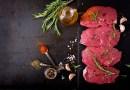 ¿Cuándo es mejor salar la carne?