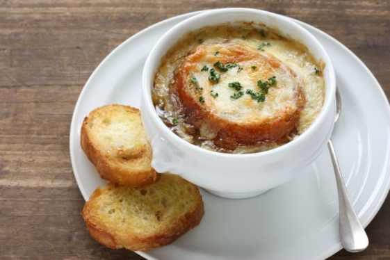 Receta de sopa de cebolla francesa al estilo casero