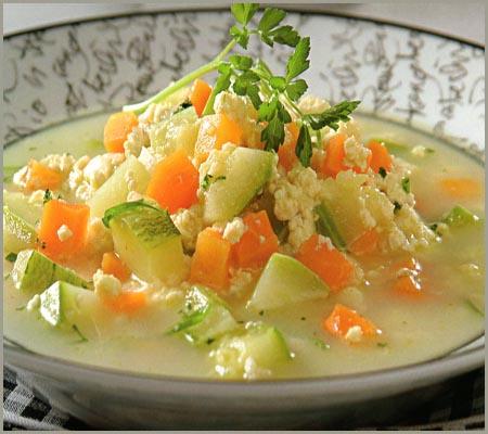sopa de zucchini y zanahorias