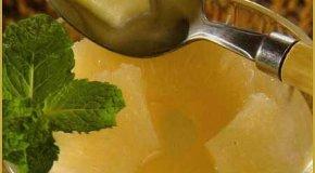 Compota de ananá especiada