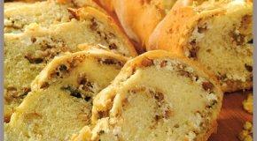 Pan rústico de queso y nueces