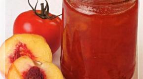 Mermelada de tomate y durazno