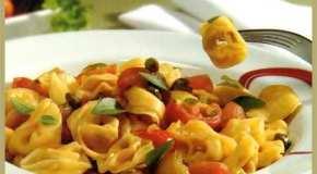Cappeletti con alcaparras y aceite de oliva