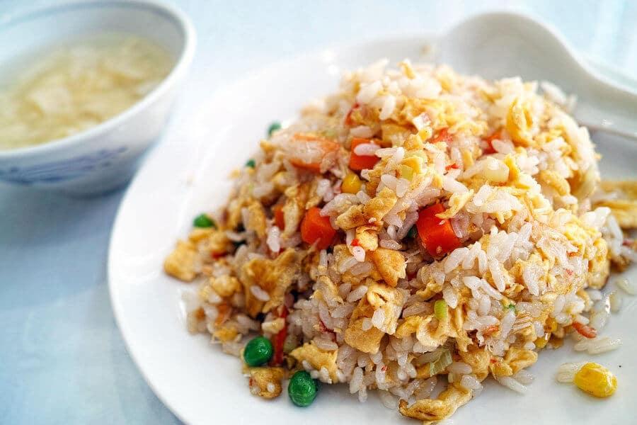 arroz frito tres delicias restaurante chino
