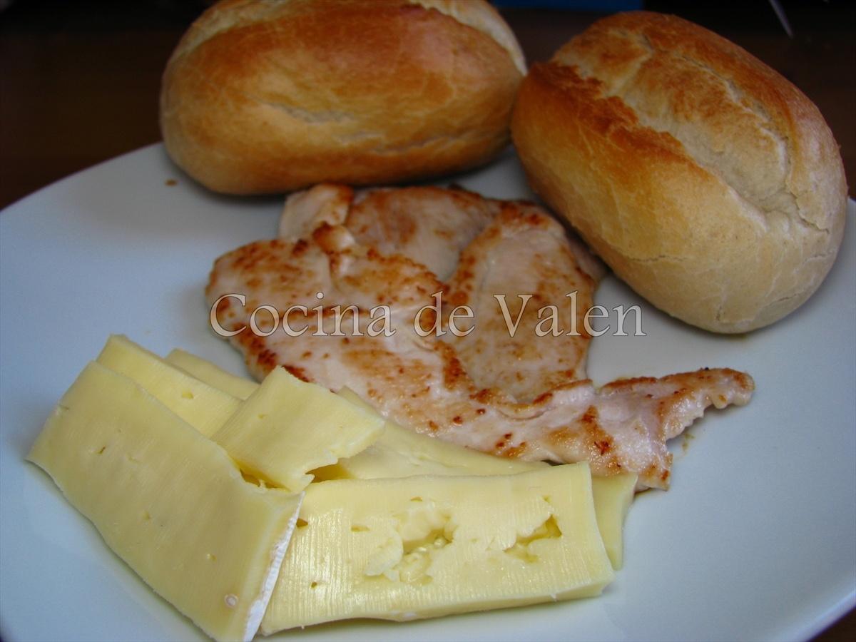 Tapas de Pollo y Queso Brie - Marca de Agua