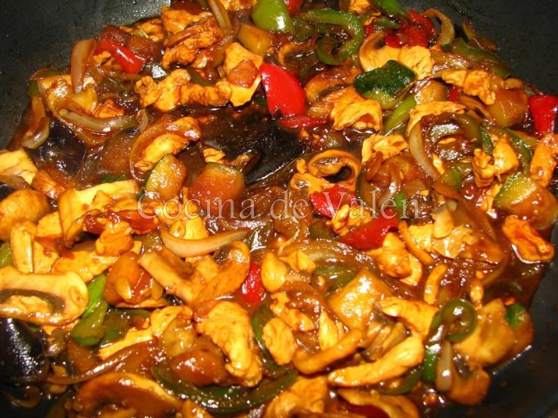 Fideos chinos al wok cocina de valen for Cocinar wok