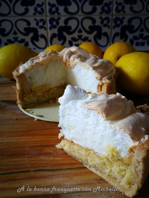 tarta rellena de limón y almendra molida, al estilo de Menton