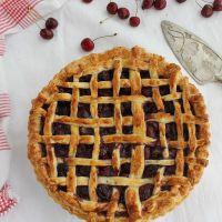 Tarta de cerezas con hojaldre,  ¡muy fácil!.