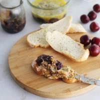 Foie gras con cerezas en tarro, un aperitivo de lujo