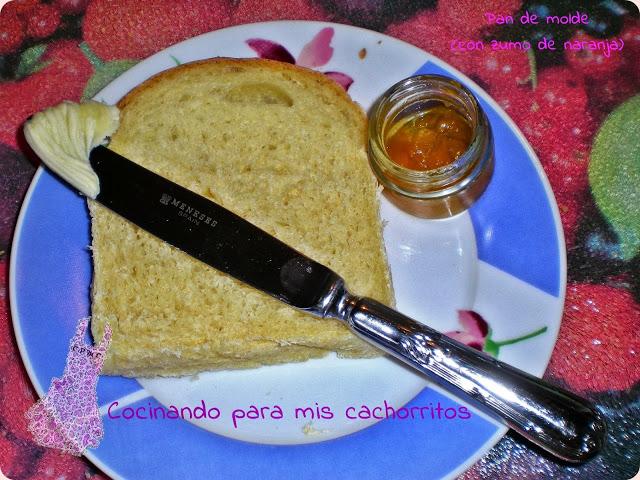 pan de molde con zumo de naranja