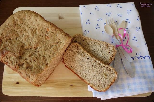 pan de centeno con queso curado en panificadora