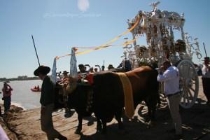 Embarque de hermandades por Sanlúcar de Barrameda
