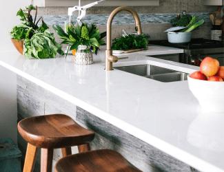 Cocinas con barra: 10 ideas para que queden modernas y funcionales