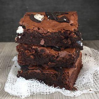 Brownie de  chocolate con  galletas Oreo