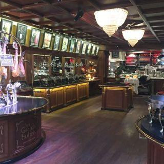 Les Grands Buffets, cocina francesa en el mayor bufet de Europa