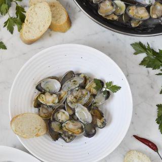 Almejas a la marinera, receta tradicional fácil y rápida