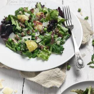 Ensalada de primavera con verduras y aliño de parmesano