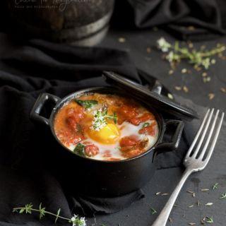 Cazuelita de sofrito de verduras con huevo y mozzarella