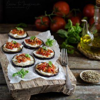 Berenjenas gratinadas con mozzarella y sofrito de tomate
