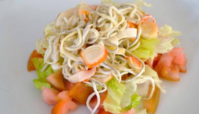 Receta de ensalada de gulas y surimi - recetas de ensaladas - recetas realfooding o real food