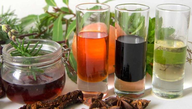 Tipos de vinagres - vinagres blancos - propiedades de los vinagres - vinagres de vino -vinagres de manzana o sidra - vinagre de arroz - vinagres para ensaladas - vinagre en escabeches