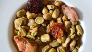 Receta de guiso de habas con chorizo, morcilla y costillas de cerdo - recetas de habas - recetas de legumbres - recetas realfooding o real food