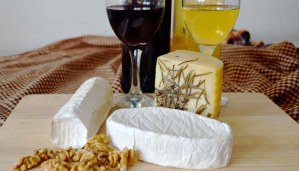 ¿Qué vinos servir con quesos? Maridajes de vinos y quesos