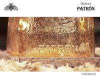 patron-tequila-flasche-mit-relief-logo