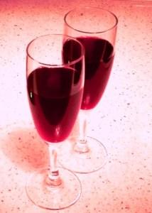 Коктейль с красным вином и шампанским Белорусская лявониха