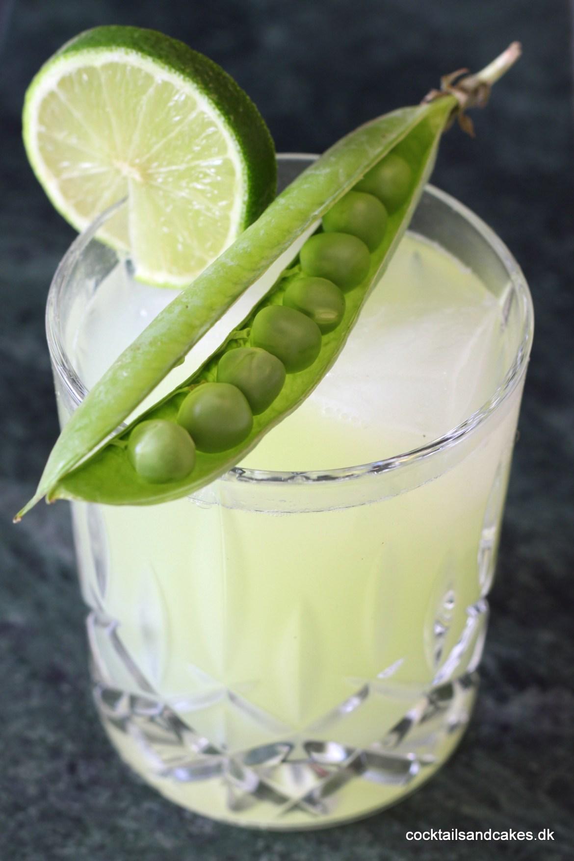 Opskrift på cocktail med gin ærter og lime