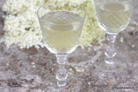 Cocktails med hyldeblomst