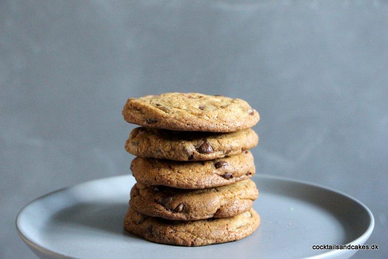 opskrift på store cookies med chokolade