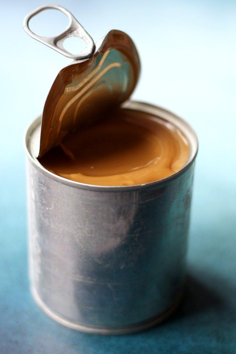 Hvordan laver man karamel med kondenseret mælk