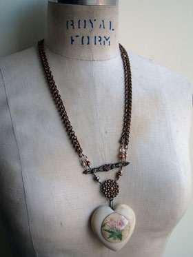 wpid-heart_measure_necklace_1_lg-2012-09-2-20-42.jpg