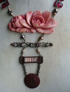wpid-pink_lilly_necklace_2_full-2012-09-2-20-42.jpg