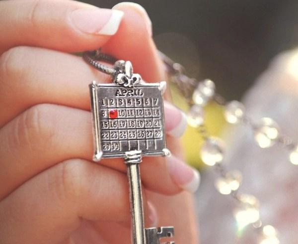Wedding Date Necklace Calendar Key