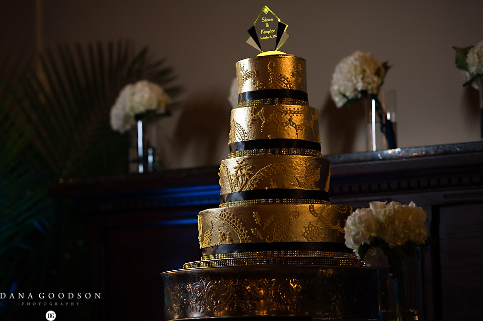 Jacksonville Gold Great Gatsby Wedding Cake